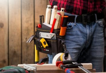 17 Basic Tools & Gear Every Homeowner Must Own (Infographic)